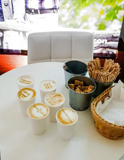 Cafea personalizata evenimente corporate